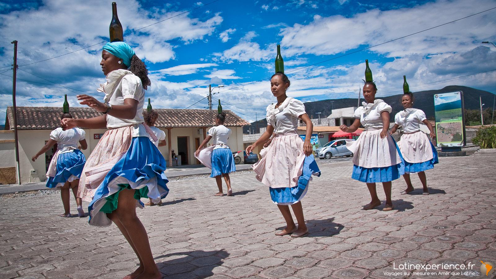 Equateur - Salinas -  Danse folklorique - Latinexperience voyage